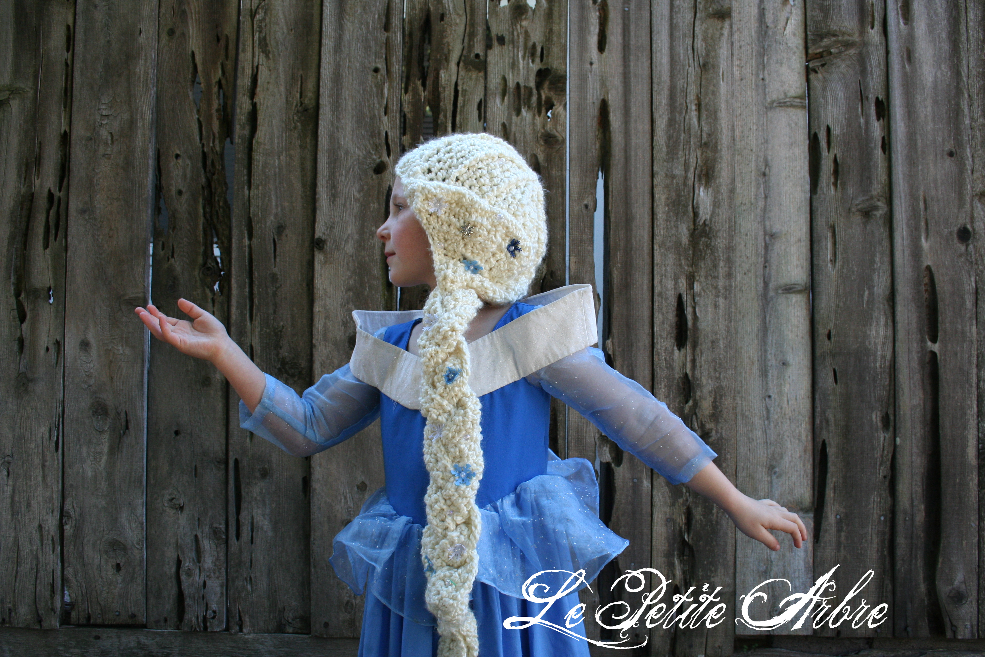 Crochet Elsa Hair Hat : Frozen: Elsa crochet hat with braid